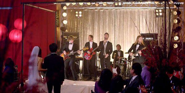 Maroon 5 Crashes Weddings In Sweet Sugar Video Watch Maroon 5 Wedding Crashers Wedding Videos