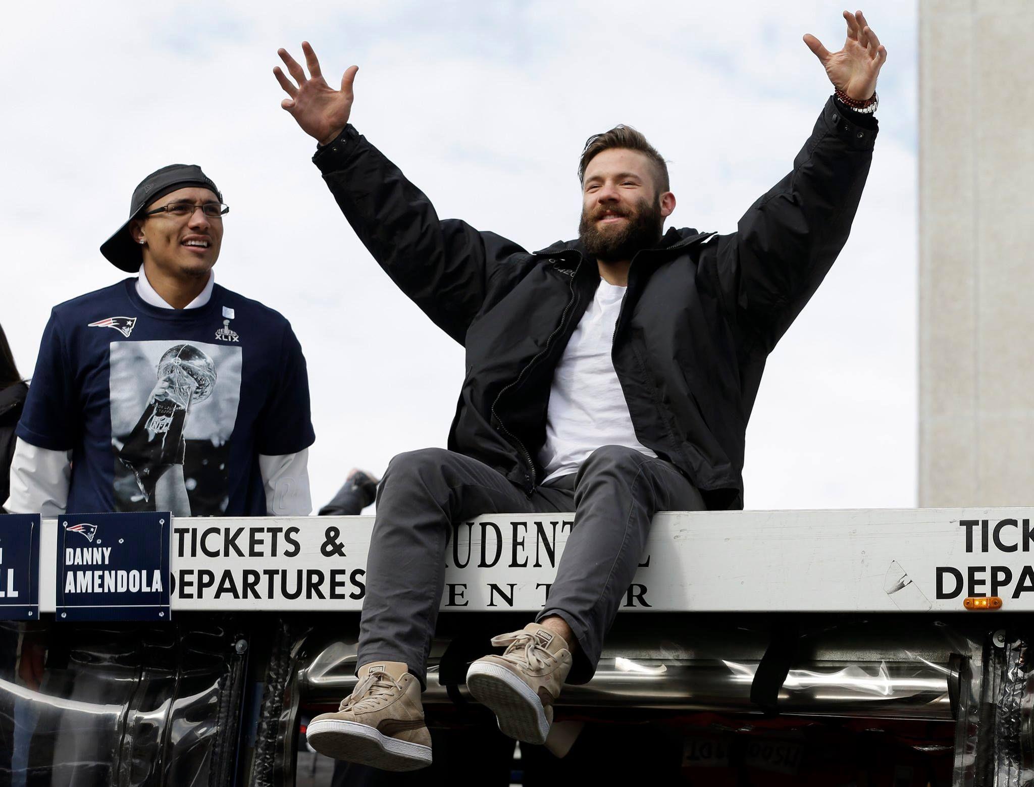 Julian Edelman Duck Boat Parade Xlix Julian Edelman New England Patriots New England Patriots Football
