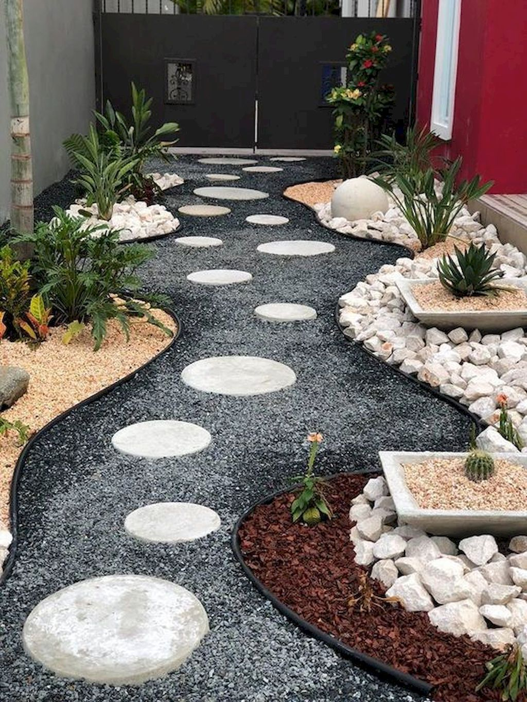 Beautiful Low Maintenance Front Yard Garden and Landscaping Ideas 48