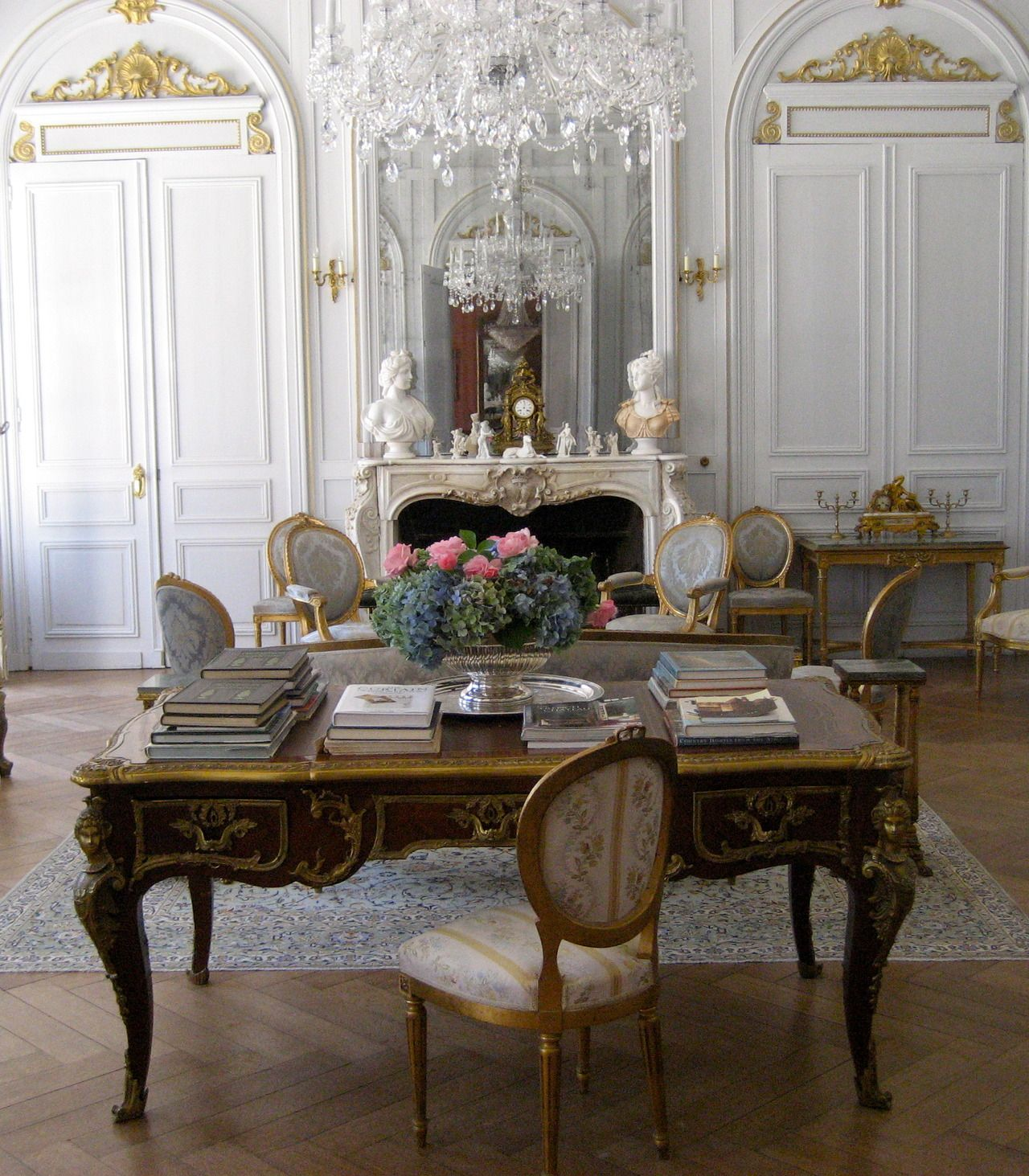 16 Stunning French Style Living Room Ideas: Classic Home Office. Black Desk, White Pale Blue Embroid
