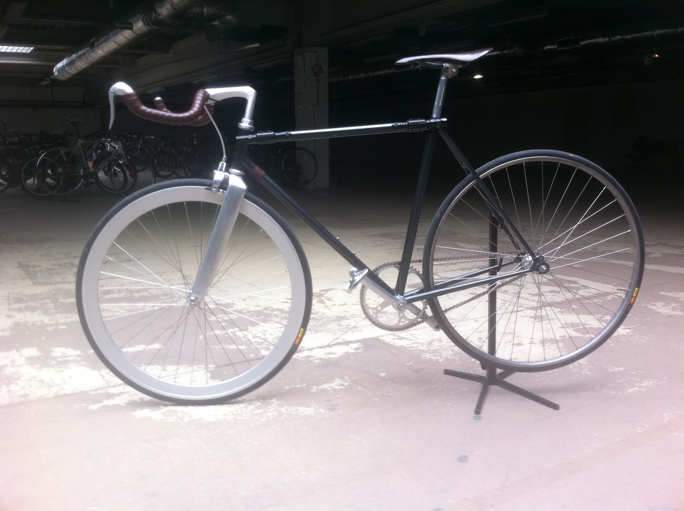 Track Bike By Ljt Cadre Acier Peugeot Roue Avant Eero Selle