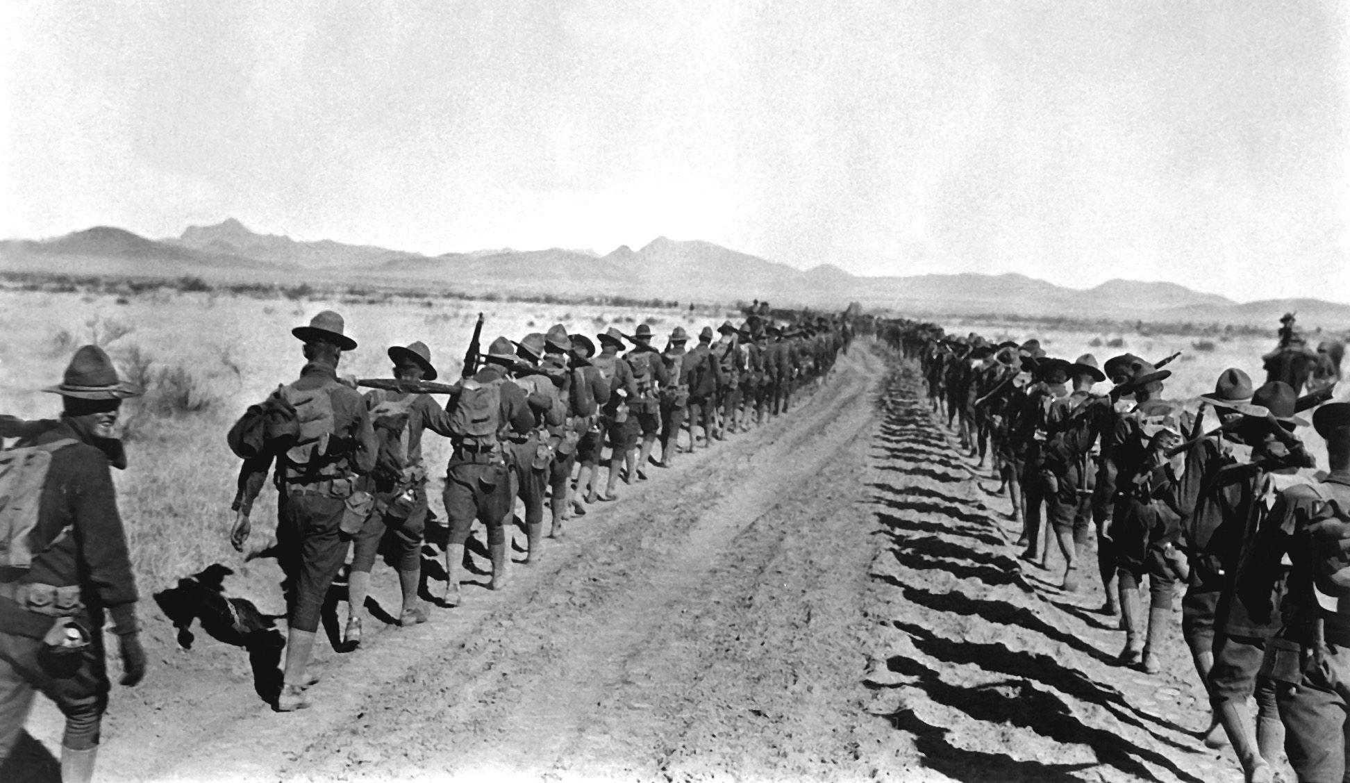 de regreso a USA los mas de 10,000 soldados al mando del General Pershing en la Expedición Punitiva de 1916 que nunca logro atrapar a Pancho Villa