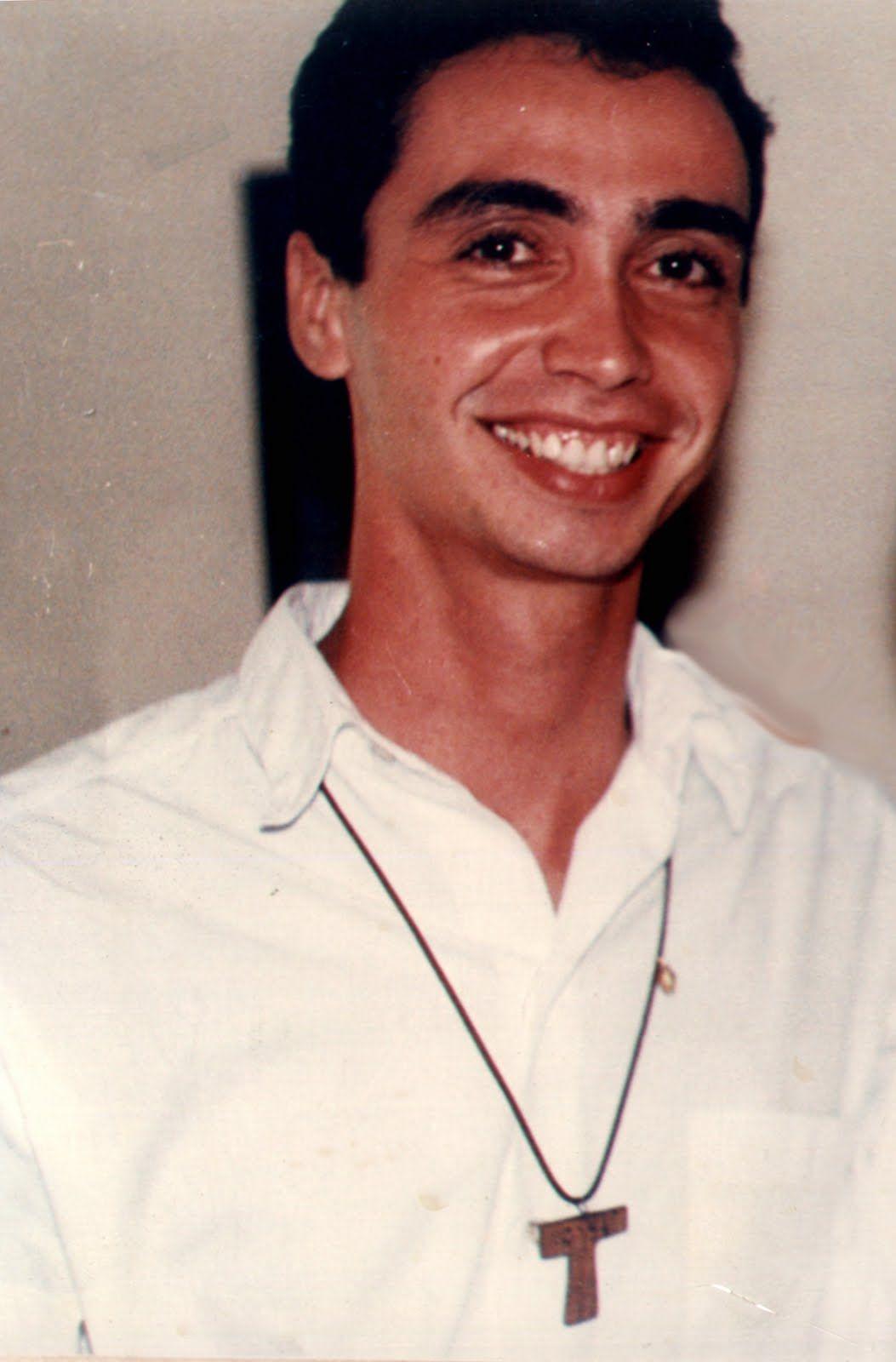 62b64400c91a5 Pin de Gaby Espinoza Arteaga em Ronaldo Pereira