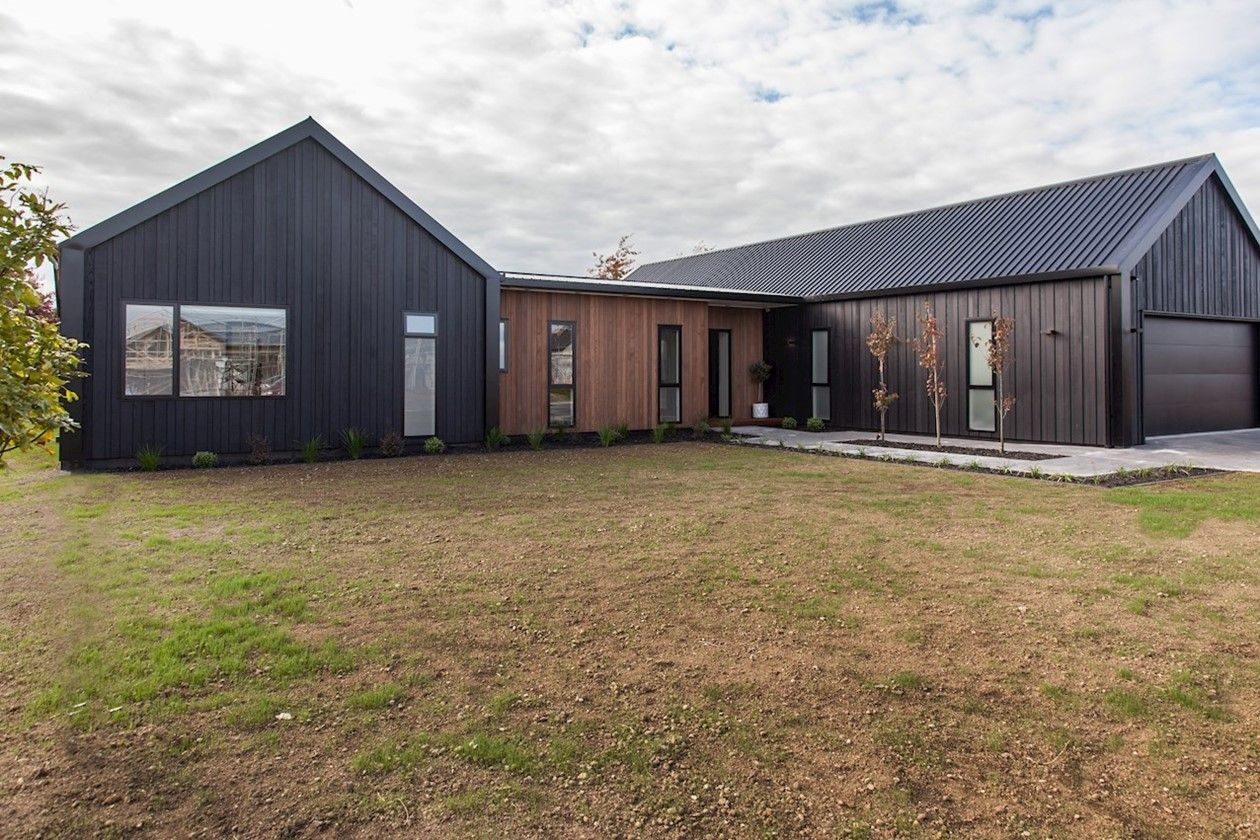 Like The Barn Look 2 Distinct Areas Modern Barn House Barn Style House Facade House