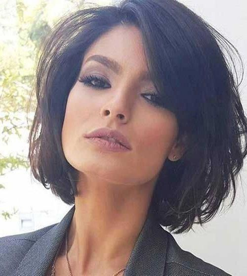 50 Medium Bob Hairstyles for Women Over 40 in 2019 #bobhaircutswithbangs #shortbobhairstyles in ...