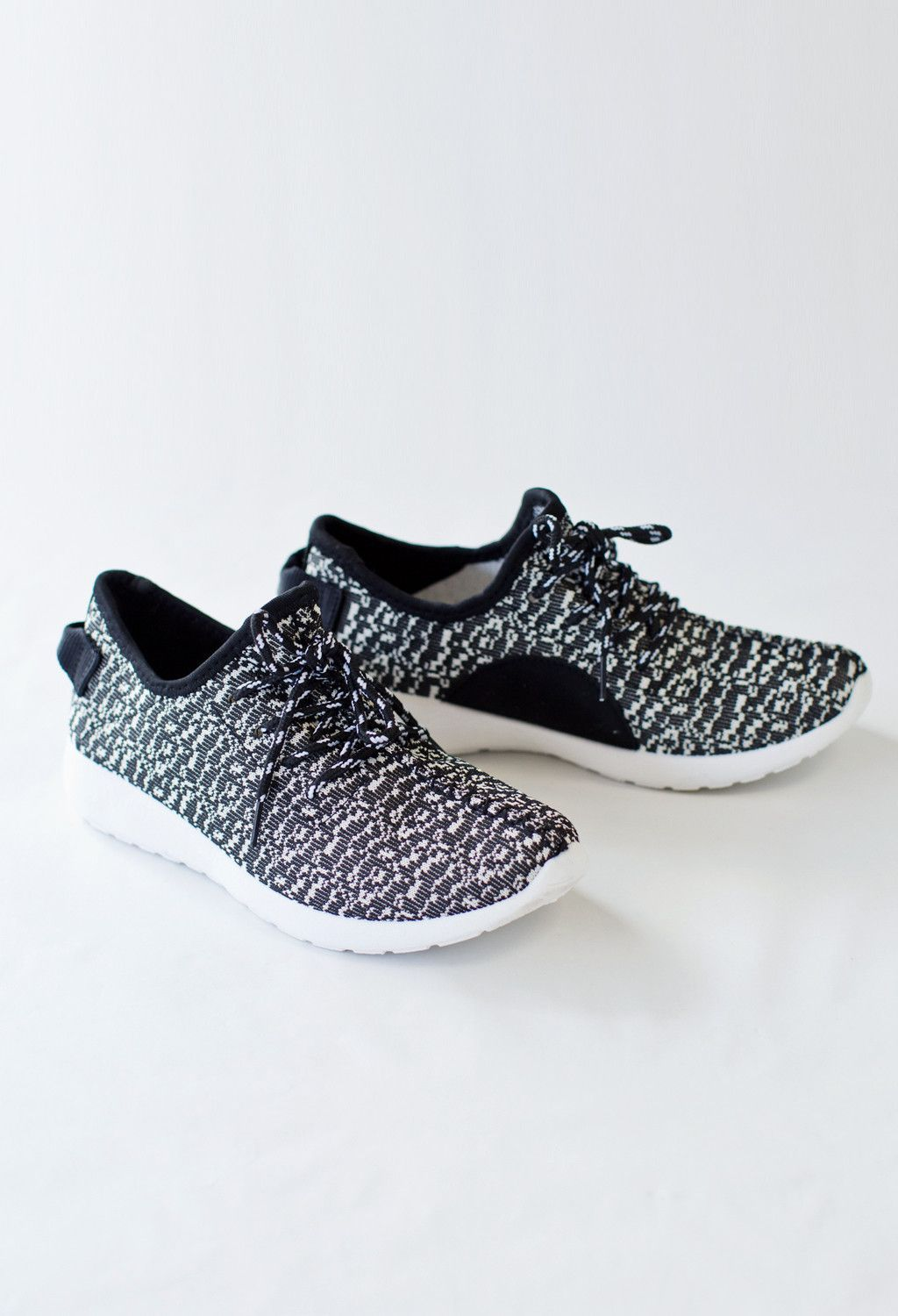 a0e0552af5b These fake yeezy tennis shoes are a must have!