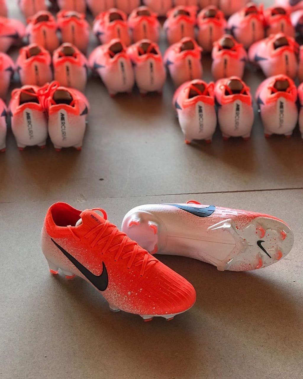 Follow Aja Bosku Pengen Sepatu Bola Kereen Kunjungi Disini