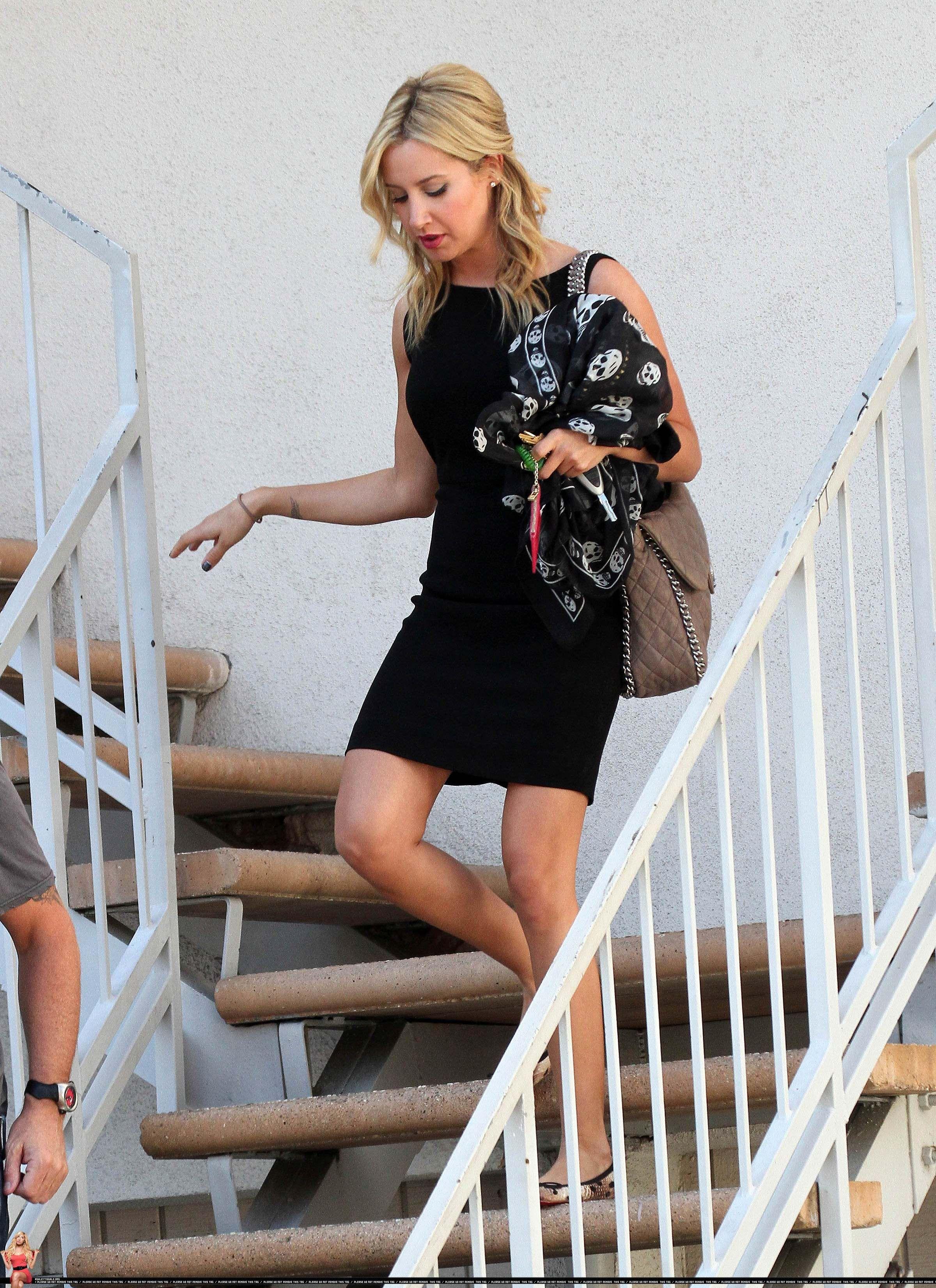 Ashley Tisdale style   Sophisticated outfits, Ashley ...