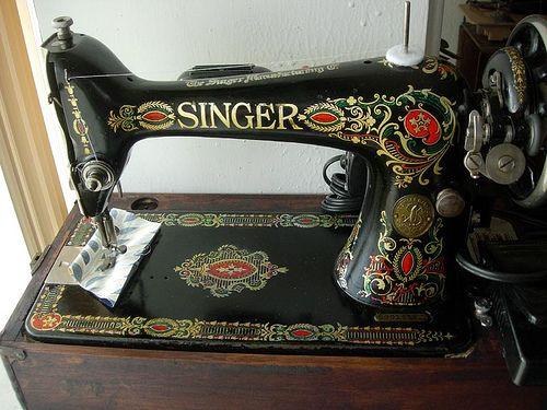 Singer Red Eye Nadine Vintage Sewing Machines Pinterest Sewing Delectable Red Eye Singer Sewing Machine