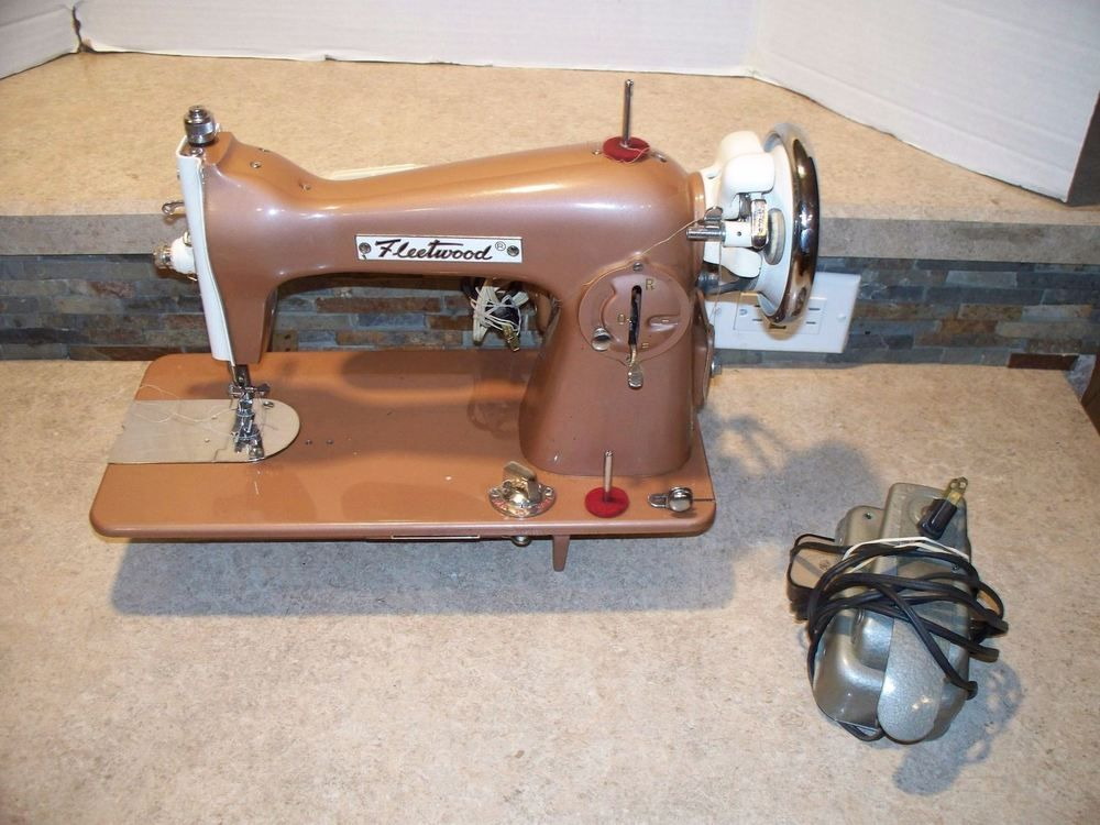 40 Fleetwood De Luxe Sewing Machine Vintage Heavy Duty Made In Cool Electro Hygiene Sewing Machine