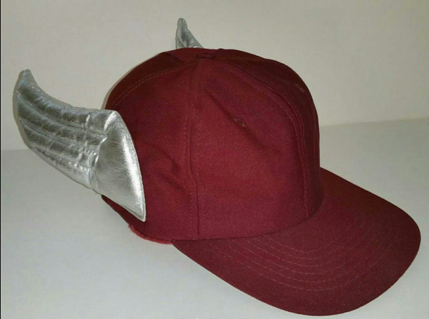 c8900976604af9 Vintage Vegimals Winged Hat 1978, Extremely Rare, Hard to Find,  Freemountain Toys Original, Collectible, Burgundy & Silver Foil Wings