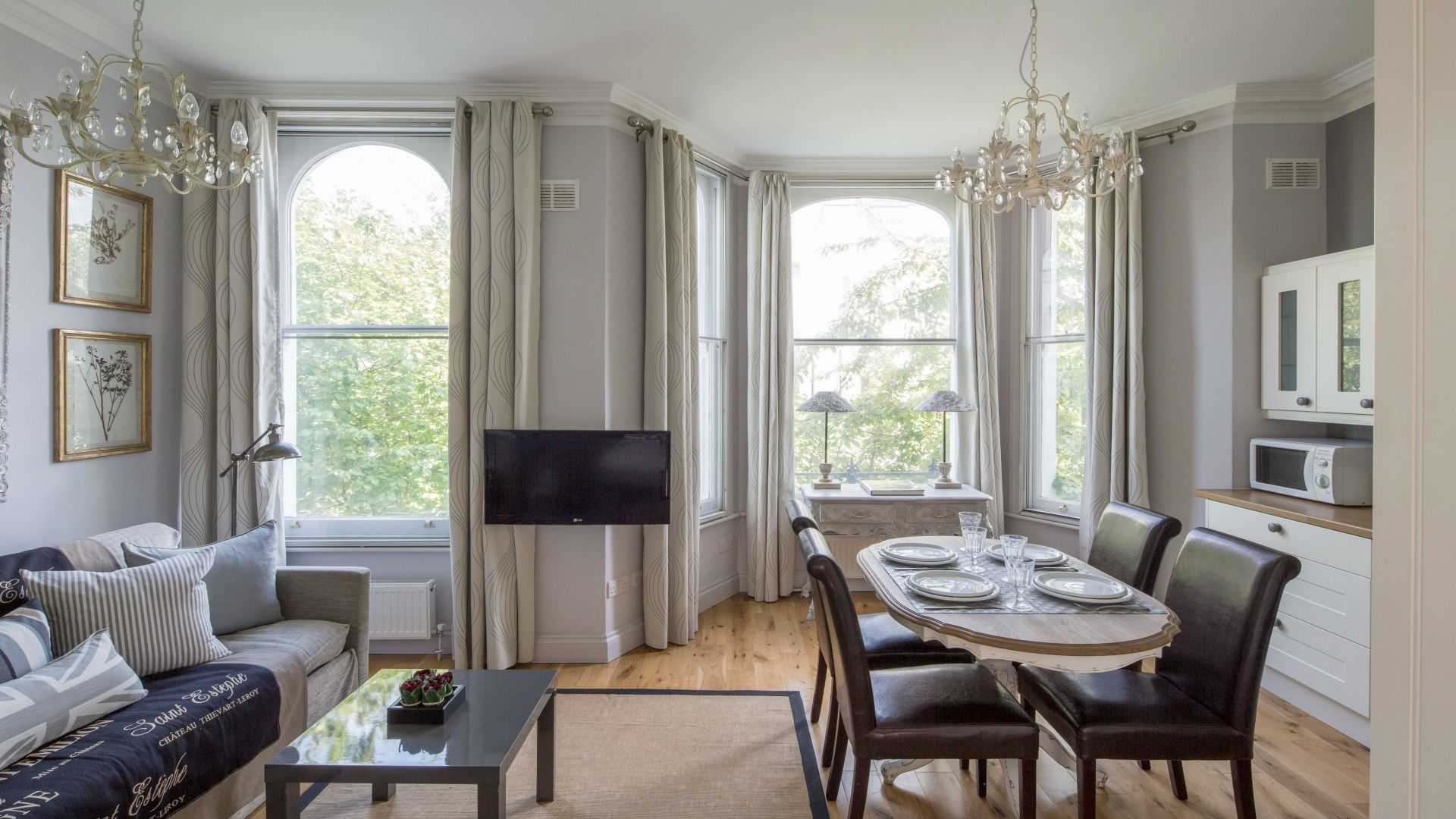 Delightful Beautifully Remodelled 2 Bedroom Vacation Rental In Charming Chelsea Near  Earlu0026 Court And Excellent Transportation To All The Top Spots In London! Nice Look