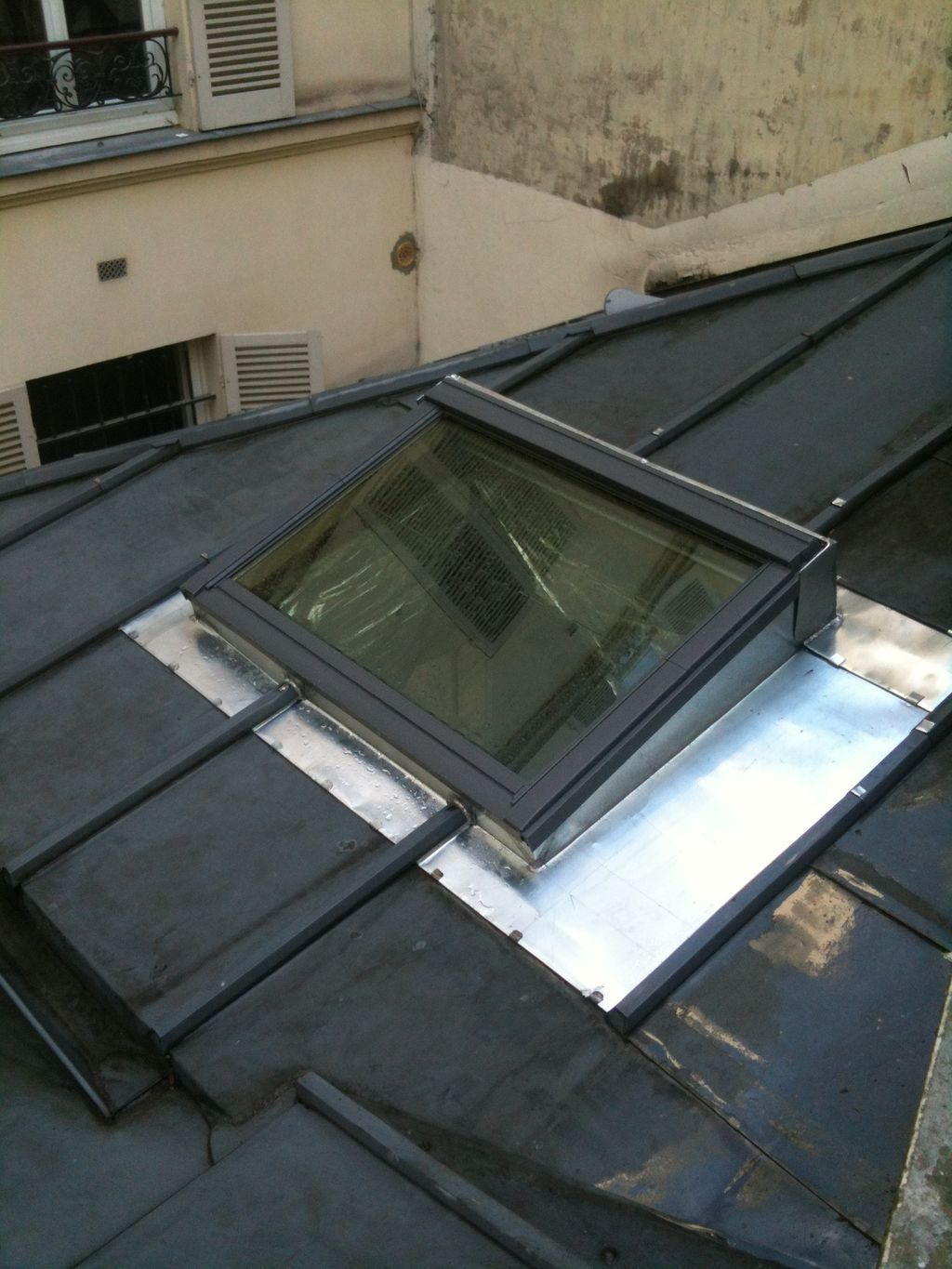 you can install velux roof windows on a flat roof all you. Black Bedroom Furniture Sets. Home Design Ideas