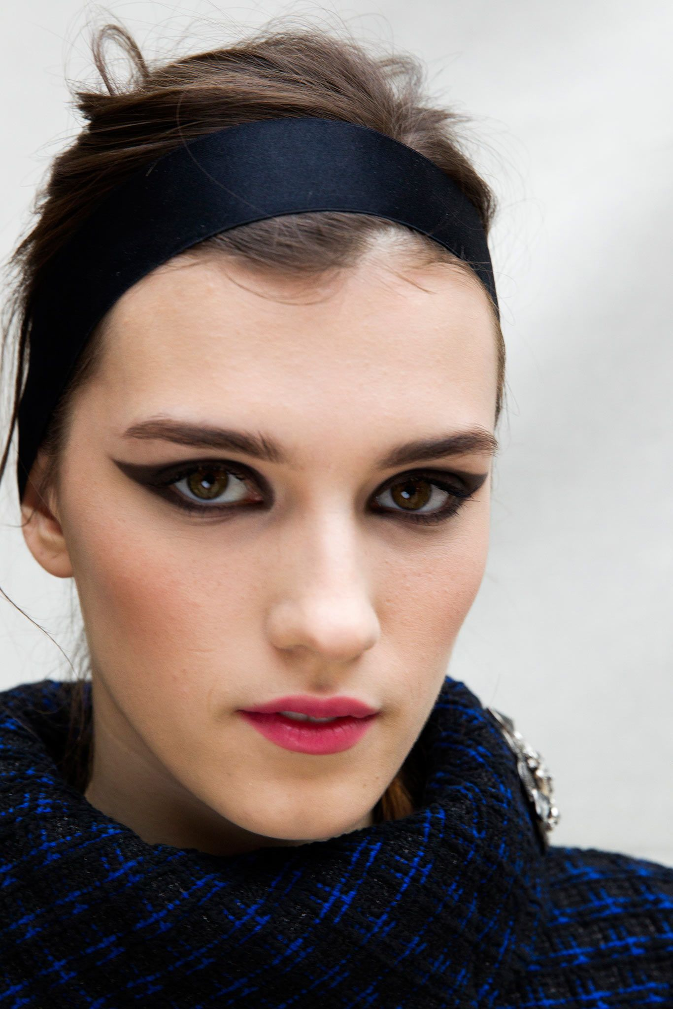 Chanel Fall 2015 Ready-to-Wear - Makeup