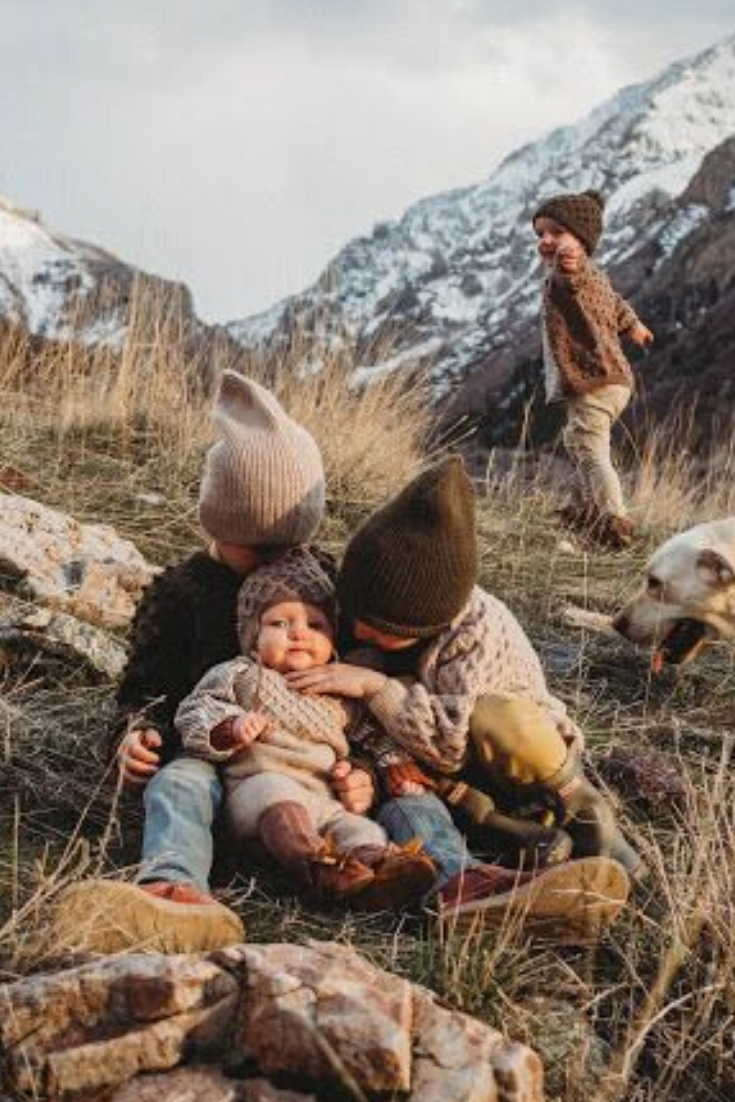 Such a stunning photo of these sweet kids wearing Shirley Bredal handmade kids clothing pieces! All hand knitted in soft merino wool. Photo by @makelleahlin.and.thelostboys. #shirleybredal #kidsfashion #childrenfashion #kidsbrand #kidsclothes #childrenclothes  #babyclothing #knitting #kidsstyle #kidsfashionboy #family #familygoals