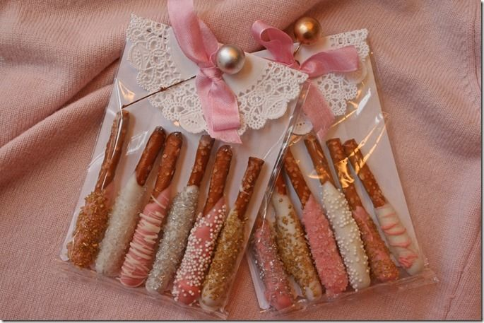DIY little favors~pretzels & packaging