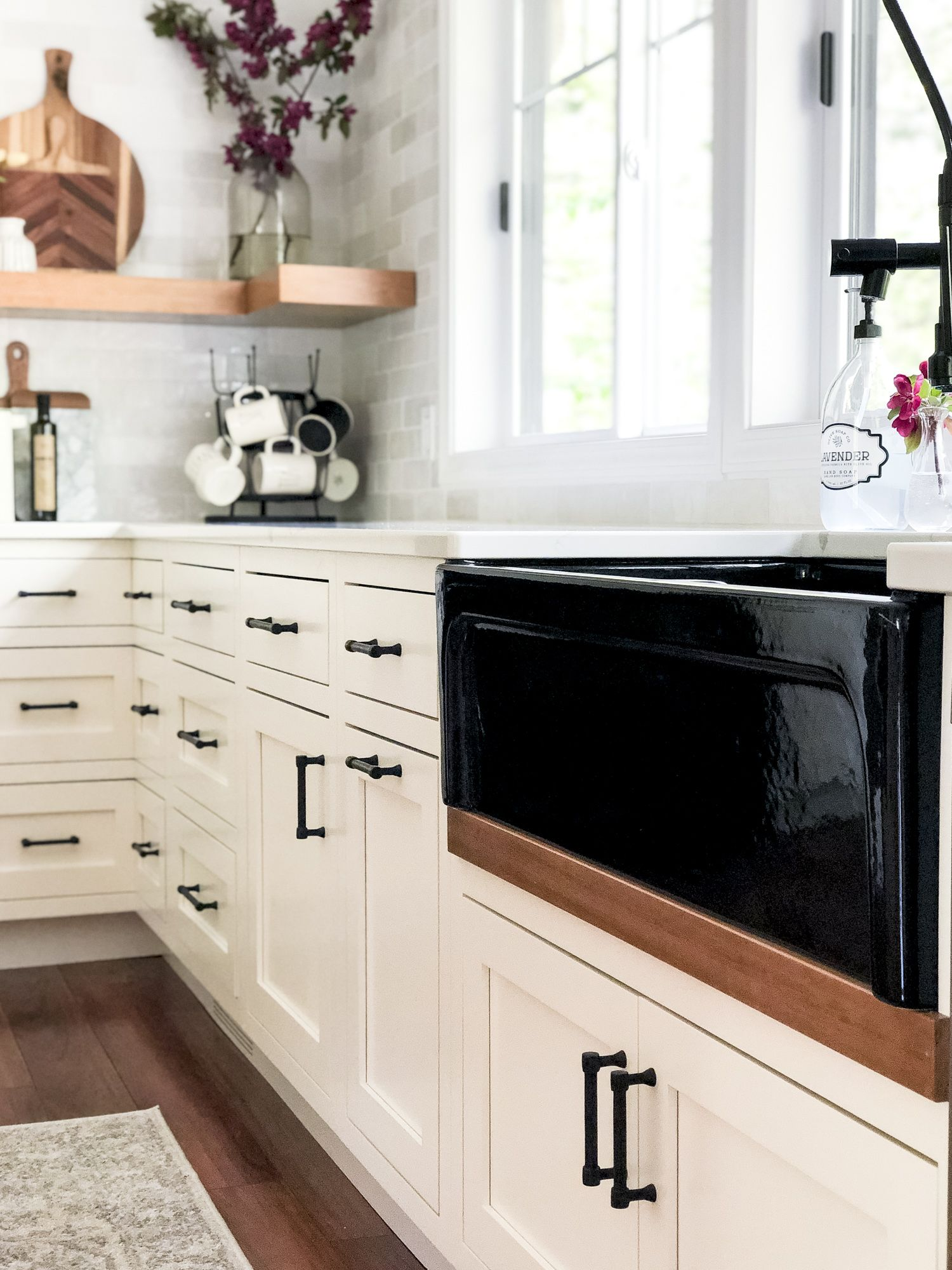 Designing a modern farmhouse kitchen with a black