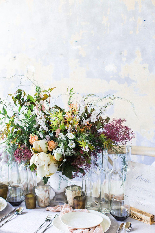La Tavola Fine Linen Rental: Velvet Grey | Photography: Koral Bleu Photography, Event Design: Magnolia & Grace Events, Florist: Pine State Flowers, Paper Goods: Pretty Together, Tabletop: Cottage Luxe