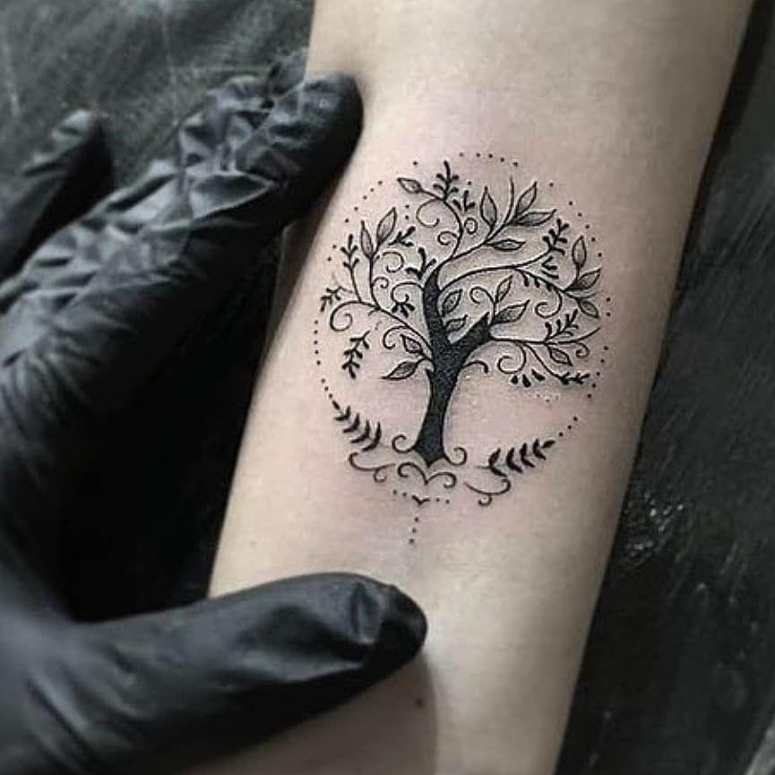 El Arbol De La Vida Representa La Esencia De Nuestra Propia Existencia Y Transmi Tatuaje Arbol De La Vida Tatuaje Del Arbol De La Vida Tatuajes Minimalistas