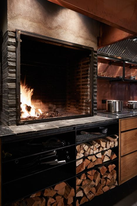 Kadeau Copenhagen Denmark Oeo Studio Large Open Cooking Fire In Kitchen Restaurant Kitchen Design Open Kitchen Restaurant Outdoor Restaurant