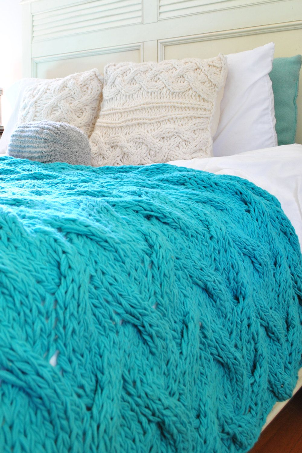 Knitting Patterns For Bed Throws : Light Turquoise Chunky Cable Knit Blanket in Cream Irish Wool Throw, Twin, Fu...