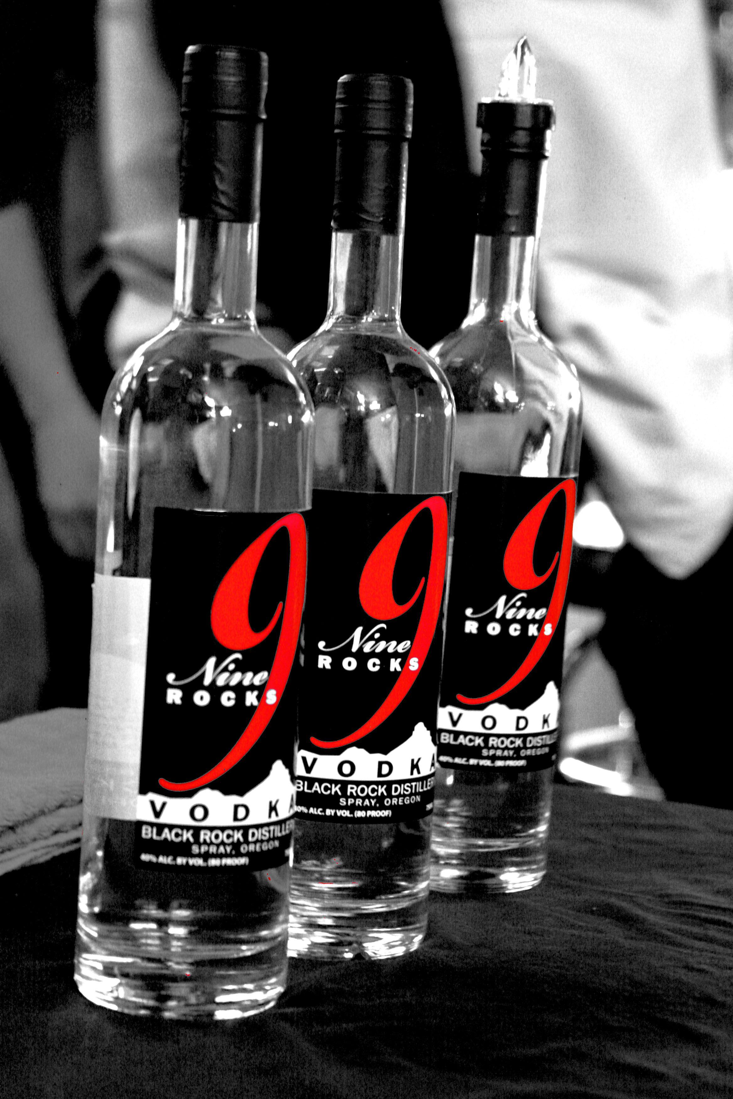 9 rocks vodka made in spray OR 100 GLUTEN FREE (leading