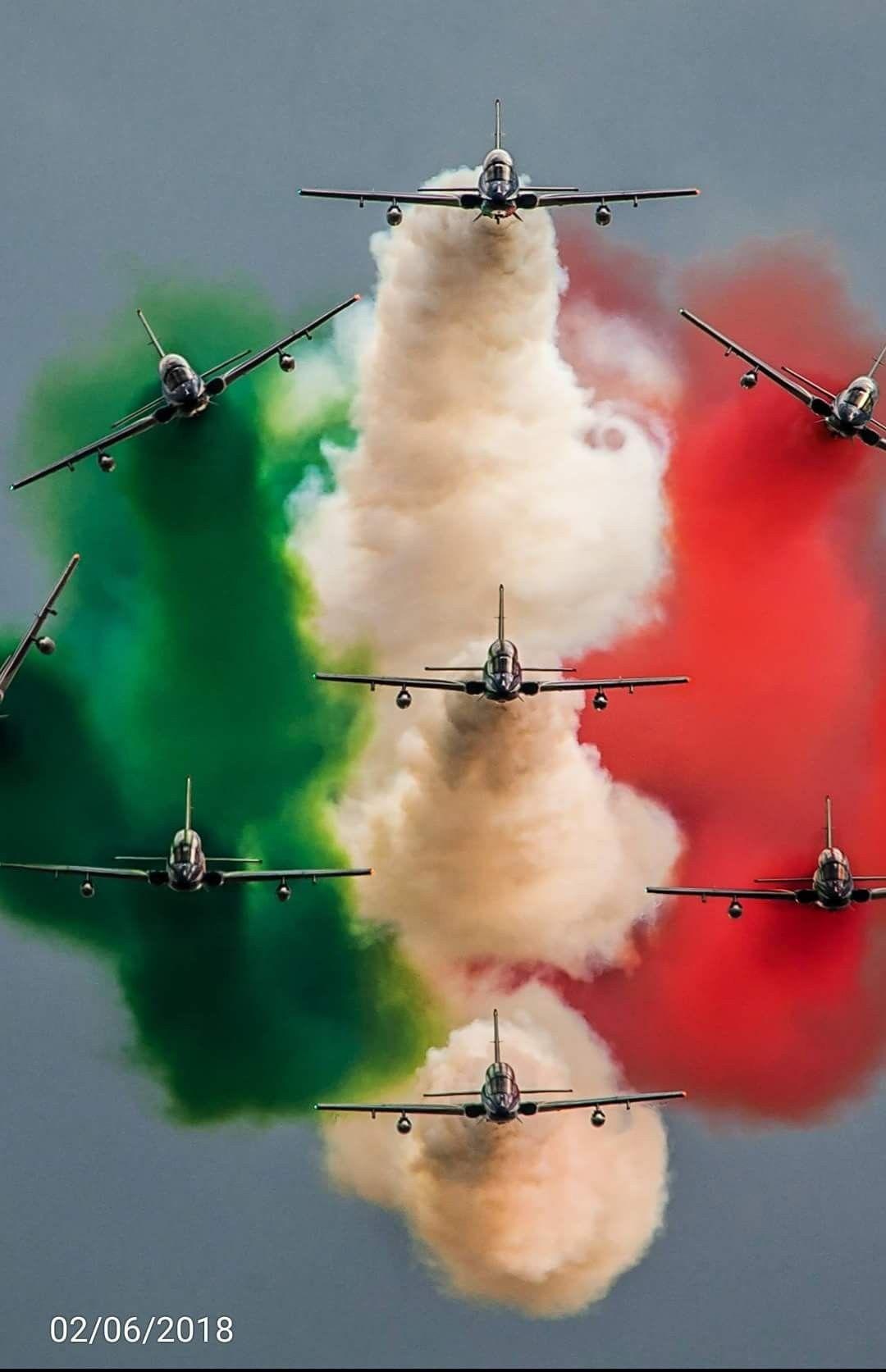 frecce tricolori | Militare, Aerei militari, Arte militare