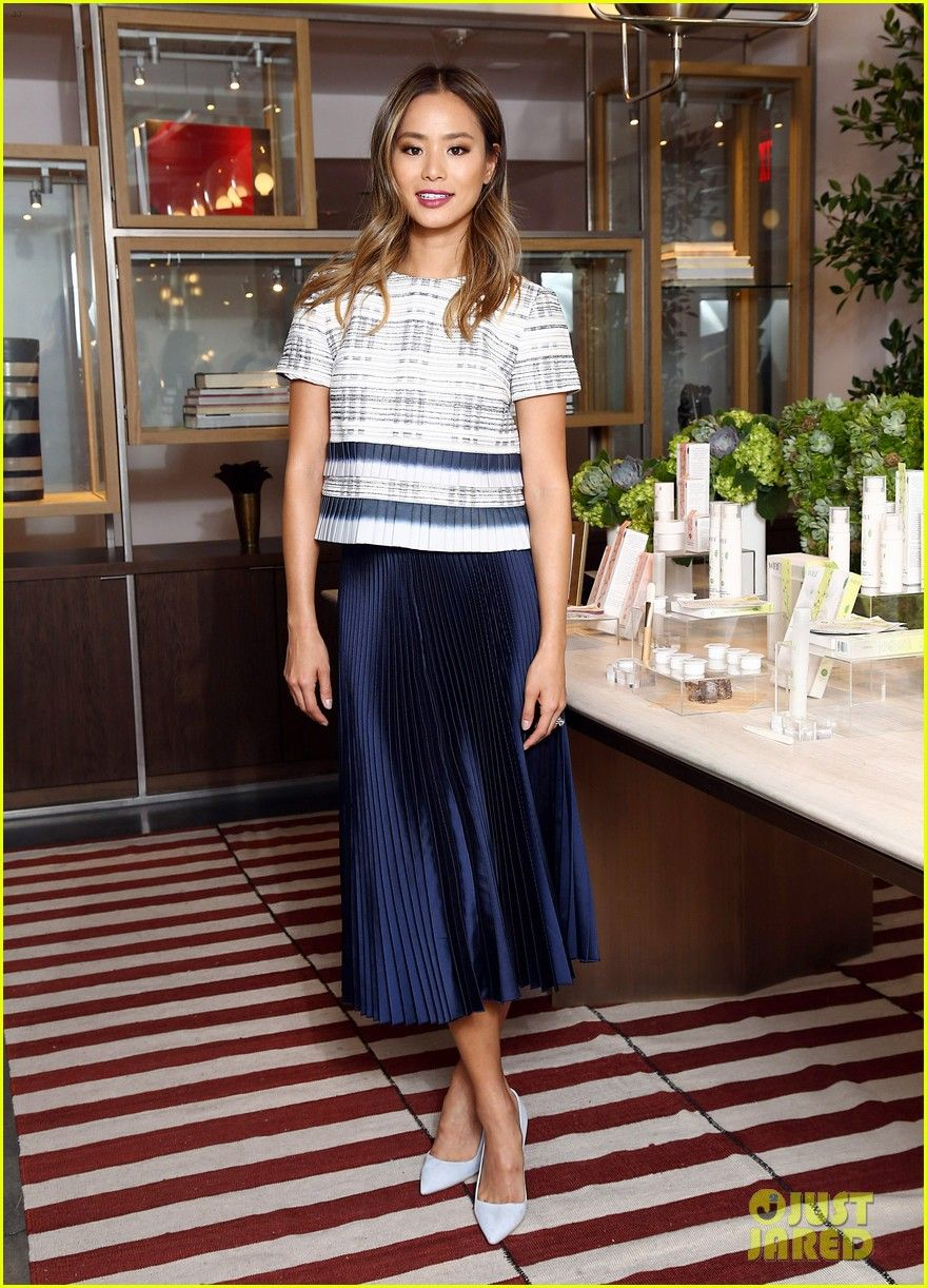 Jaime King & Jamie Chung Sample New WEI Beauty Products!