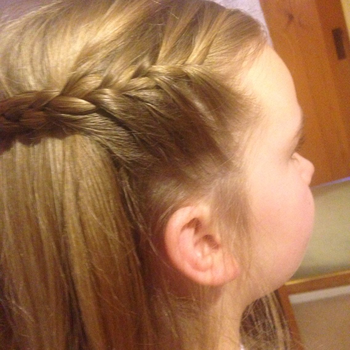 Girls hair simple braid half up half down looks e cabelos
