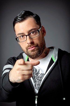 Dominic Heinzl Mit Faust Attackiert Orf Beendet Zusammenarbeit Mit Sido Rapper Rap Bester Mann