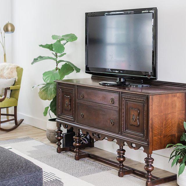 Living room vintage sideboard TV stand. #sideboard #tvstand #diytvstand #refinishedfurniture #howtorefinishfurniture #vintagestyle #vintagefurniture #refinish