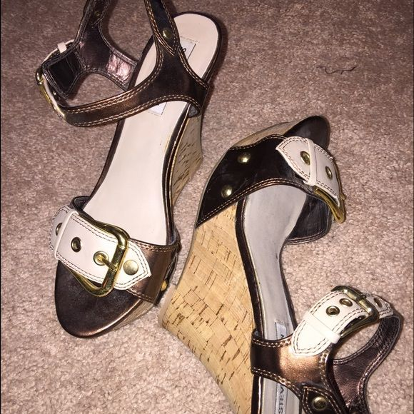 Wedge heel Metallic brown, gold wedge Steve Madden. Worn once. Steve Madden Shoes Wedges