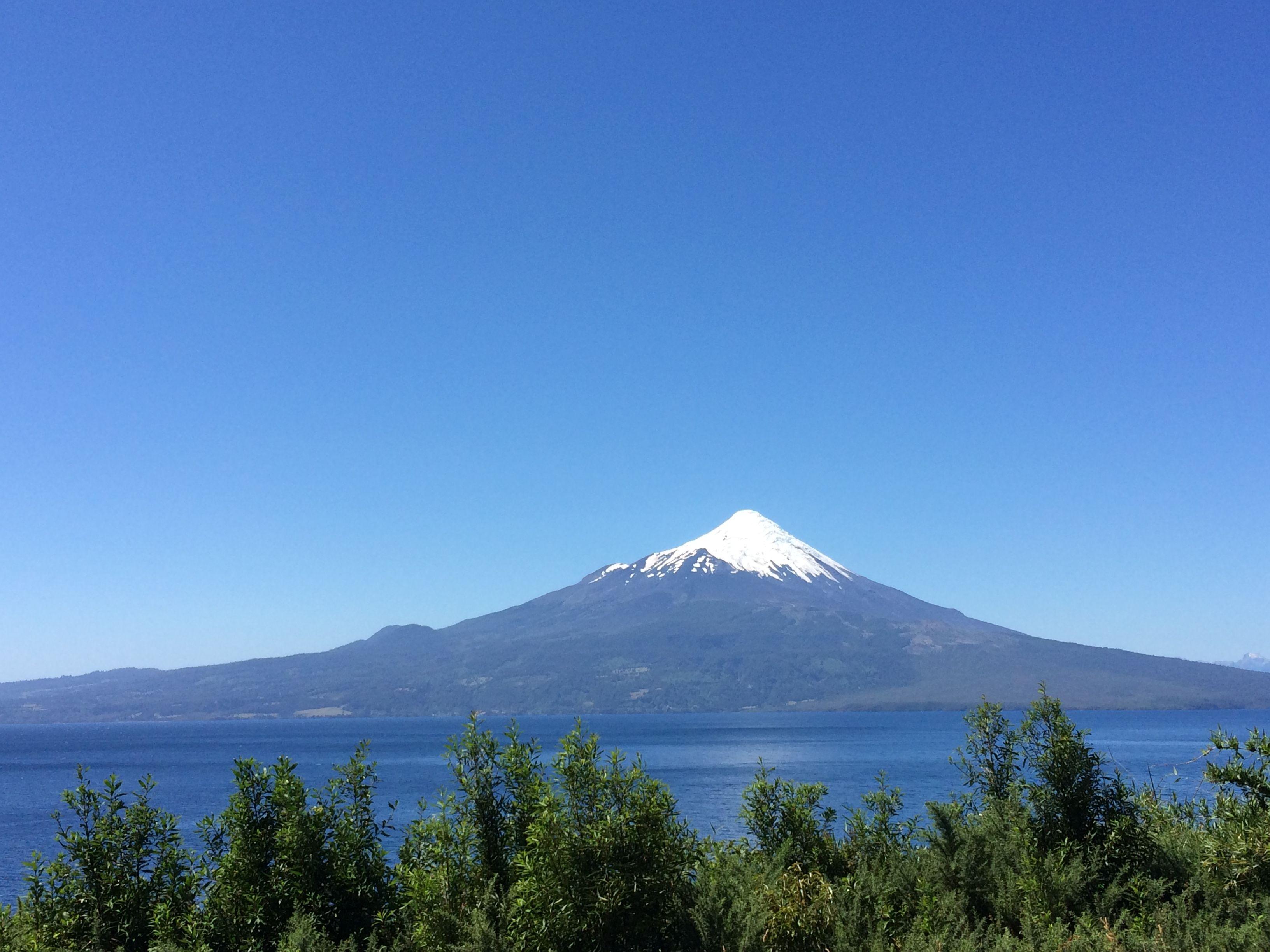 Volcán Osorno.-