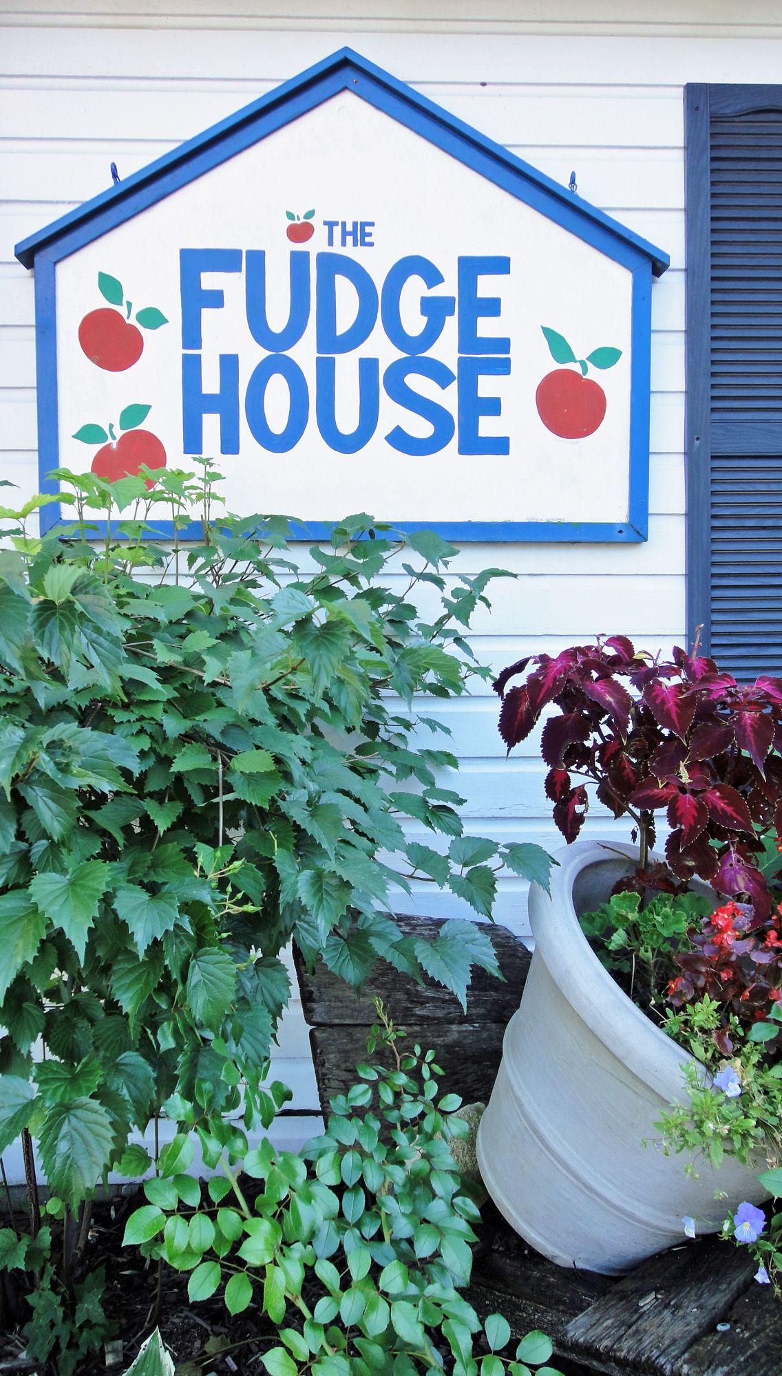Fudge House in Fish Creek Wisconsin Door County GO
