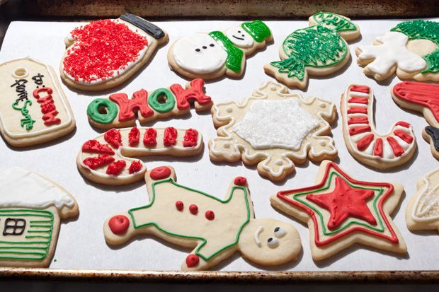 Christmas Sugar Cookies from Chow.com  Link to video and Royal Icing recipe. Full recipe for cookies.