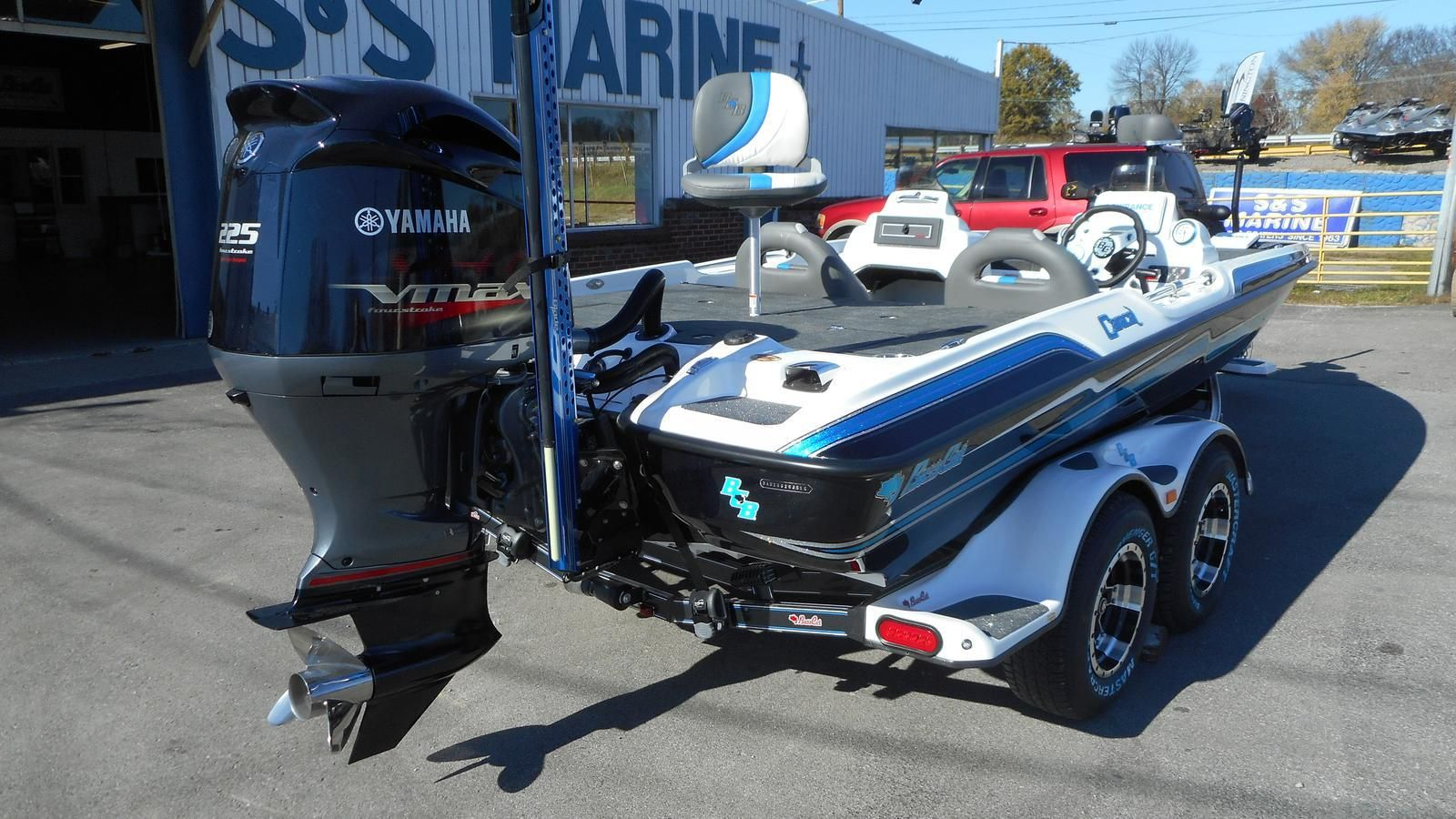 2016 Bass Cat Boats Caracal Bass boat, Flat bottom boats