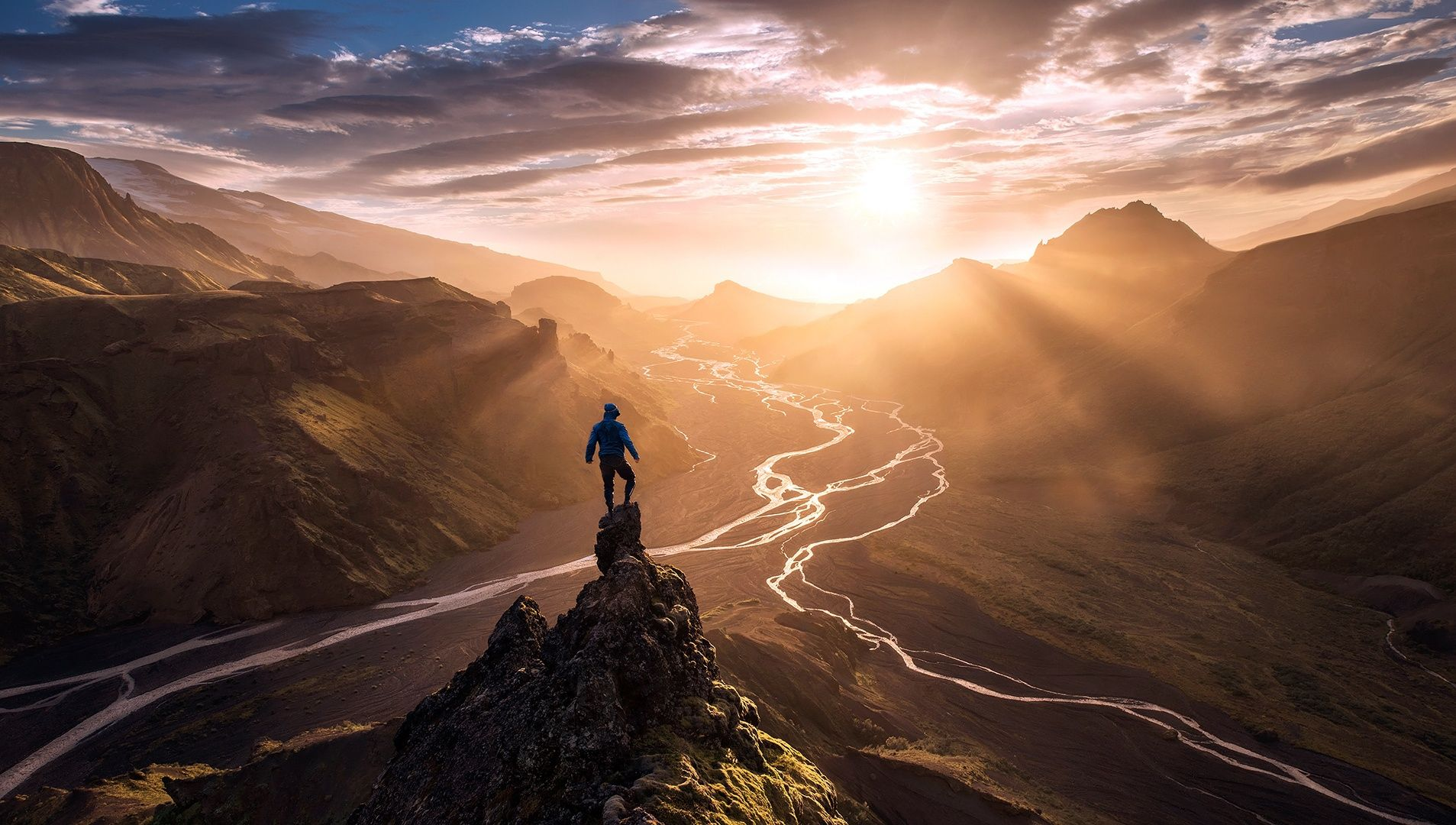 Ethereal landscapes nature photography by donna geissler - 10 Photo Tips From Professional Photographers Max Rive Shares His Story And Tips For Shooting Tiny People In Massive Landscapes