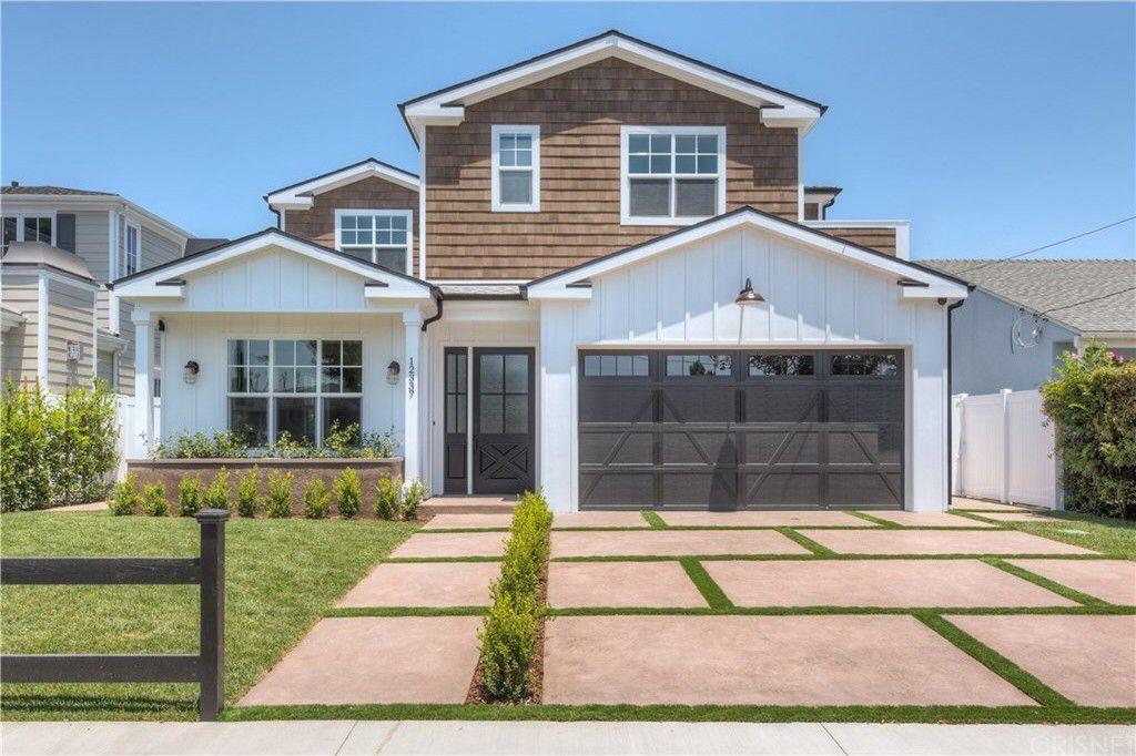 Check out this home at Realtor.com $2,089,000 5beds · 5+baths 12337 La Maida St, Valley Village http://www.realtor.com/realestateandhomes-detail/12337-La-Maida-St_North-Hollywood_CA_91607_M27900-14740