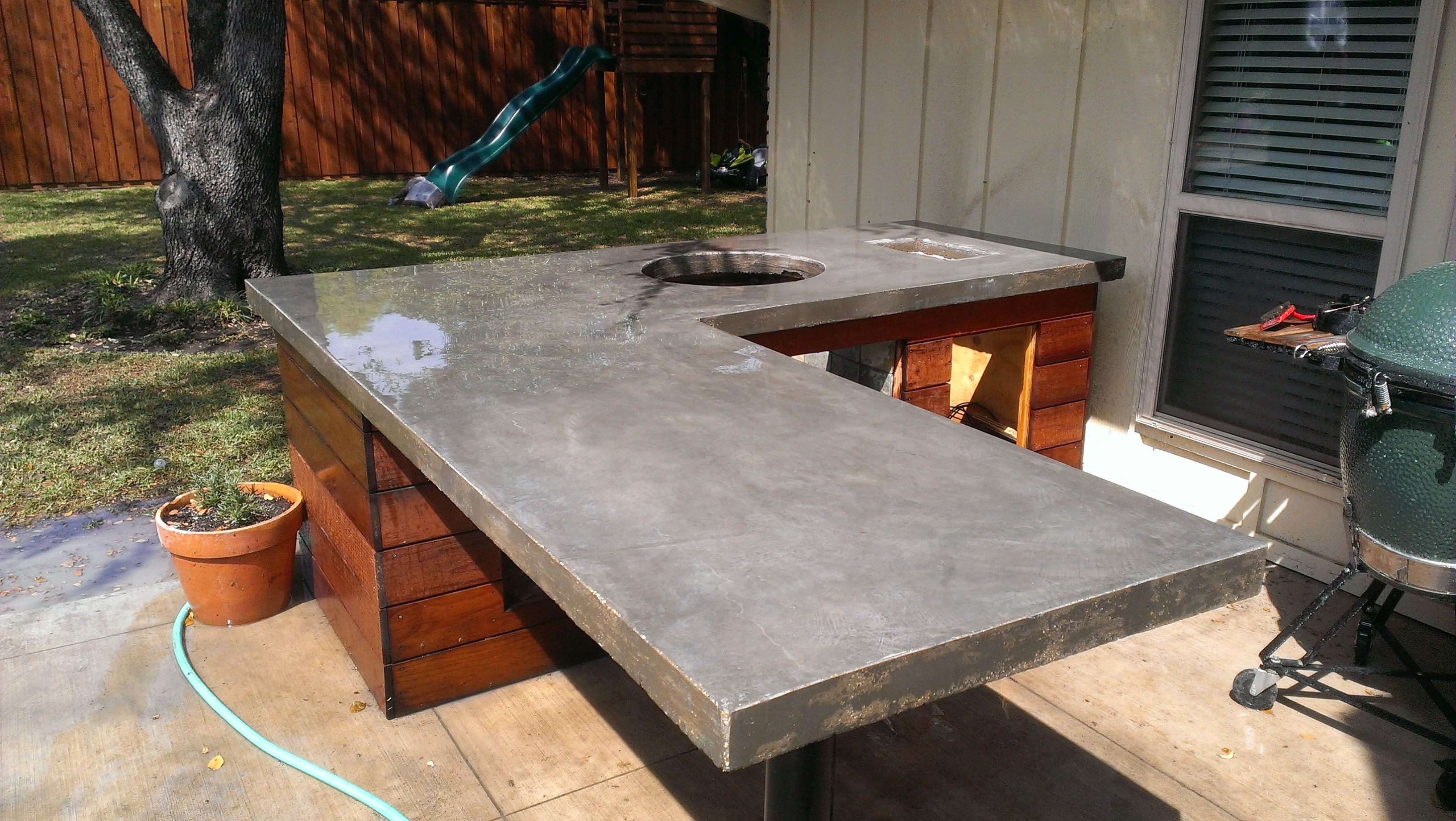 Poured concrete outdoor kitchen countertops google for Diy outdoor bar top