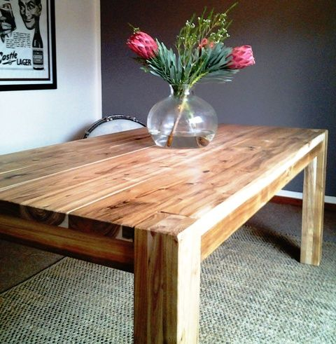 Brand New Top Quality Solid Wood Dining Tables Hand Prices