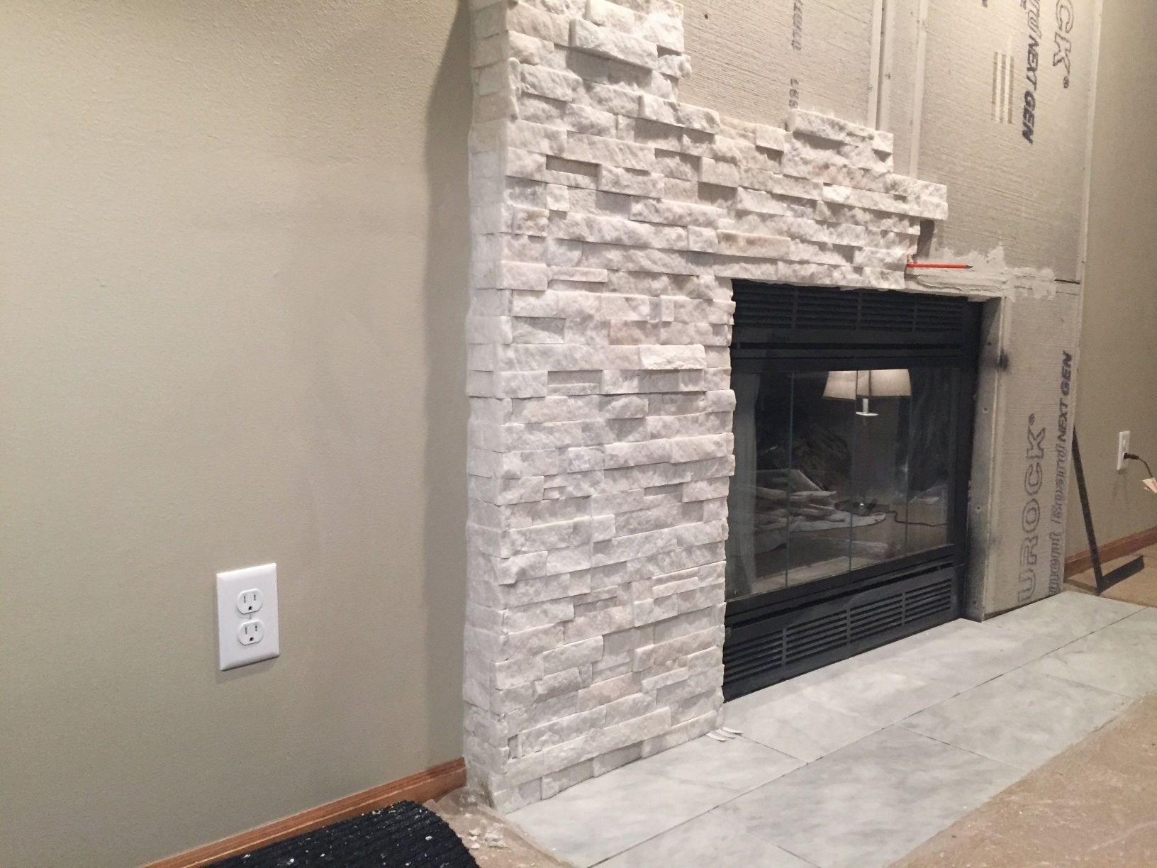 how to install stacked stone tile on