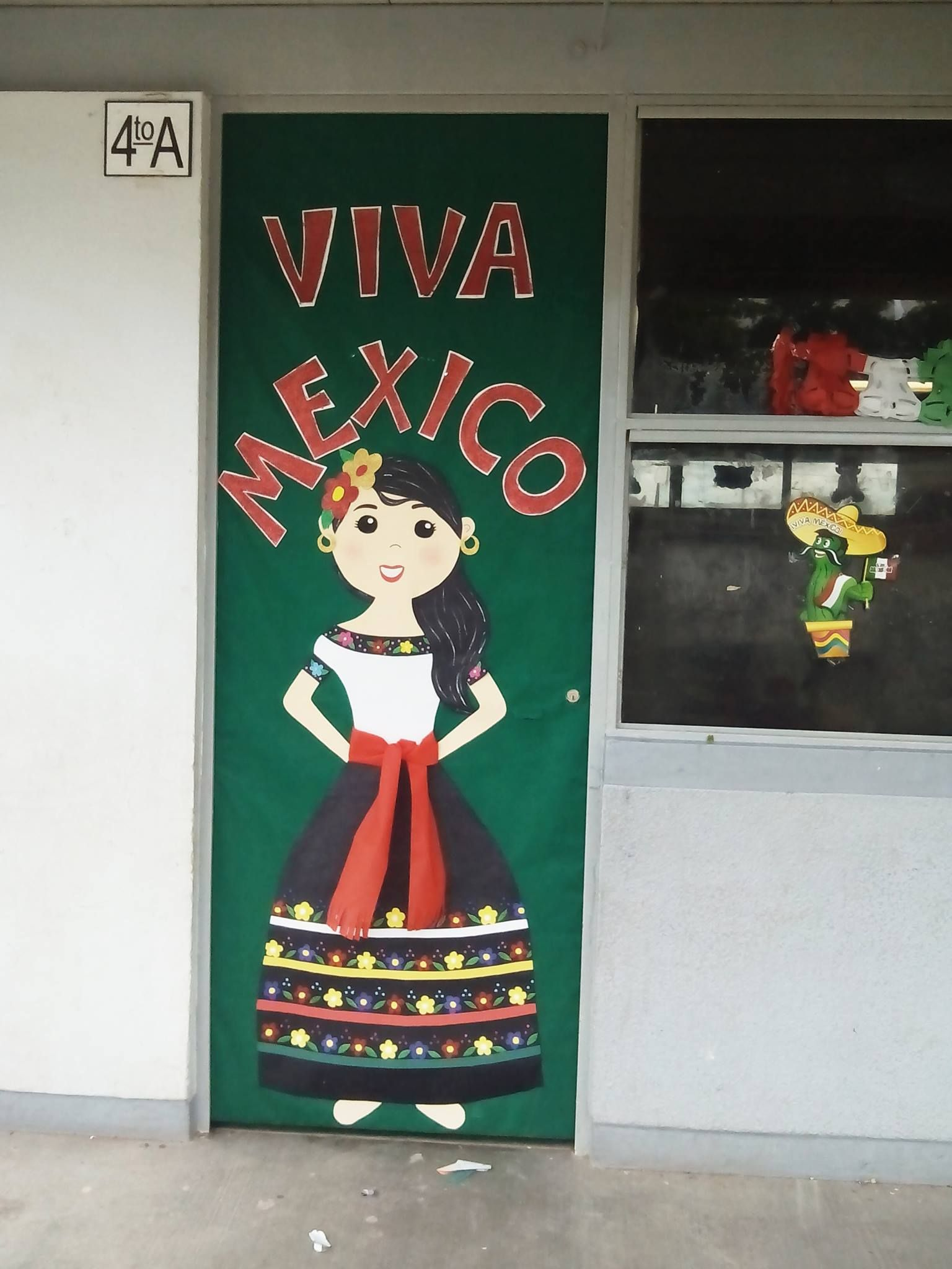 Pin de abriana vzla en mis trabajitos en foami puertas for Puertas decoradas 16 de septiembre