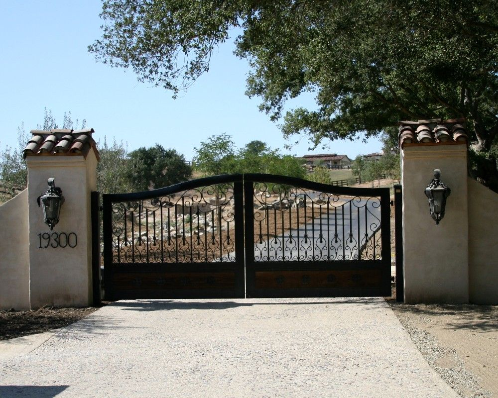 Driveway gates gate company los angeles gate for Motorized gates for driveways