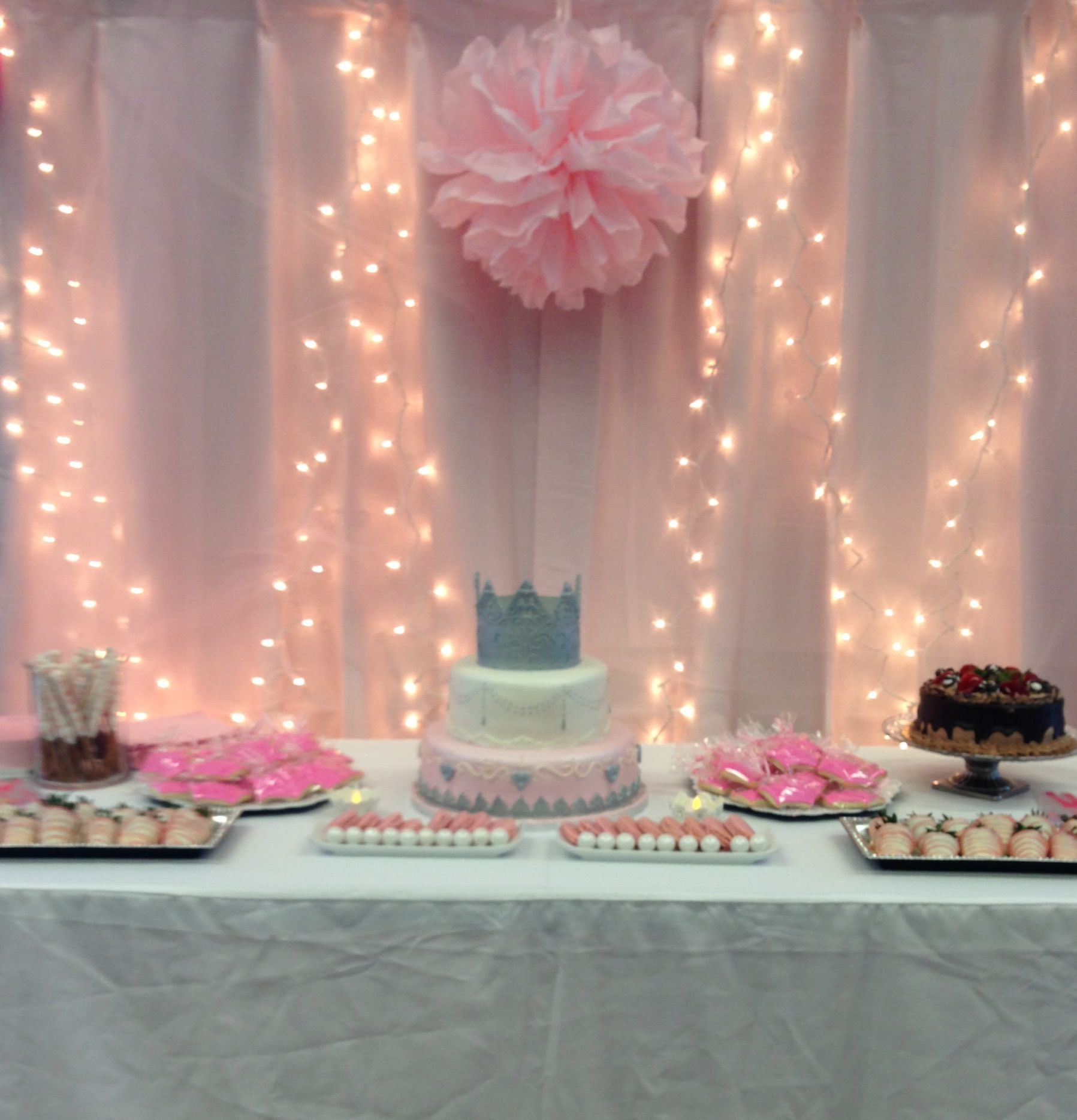 Princess Baby Shower Theme To Get The Soft Glow Look
