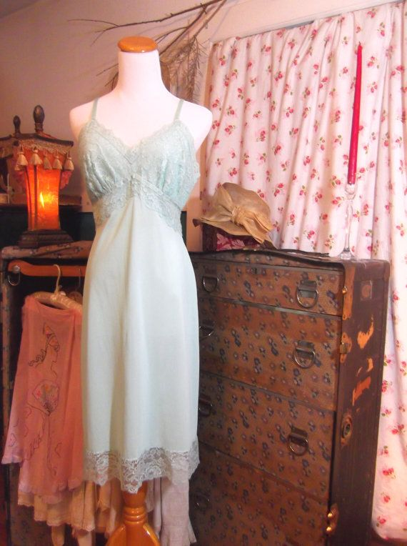 d372f09732b77 1950's Lingerie 50's Slip Green Lace Slip Dress Seamprufe Size 36 ...