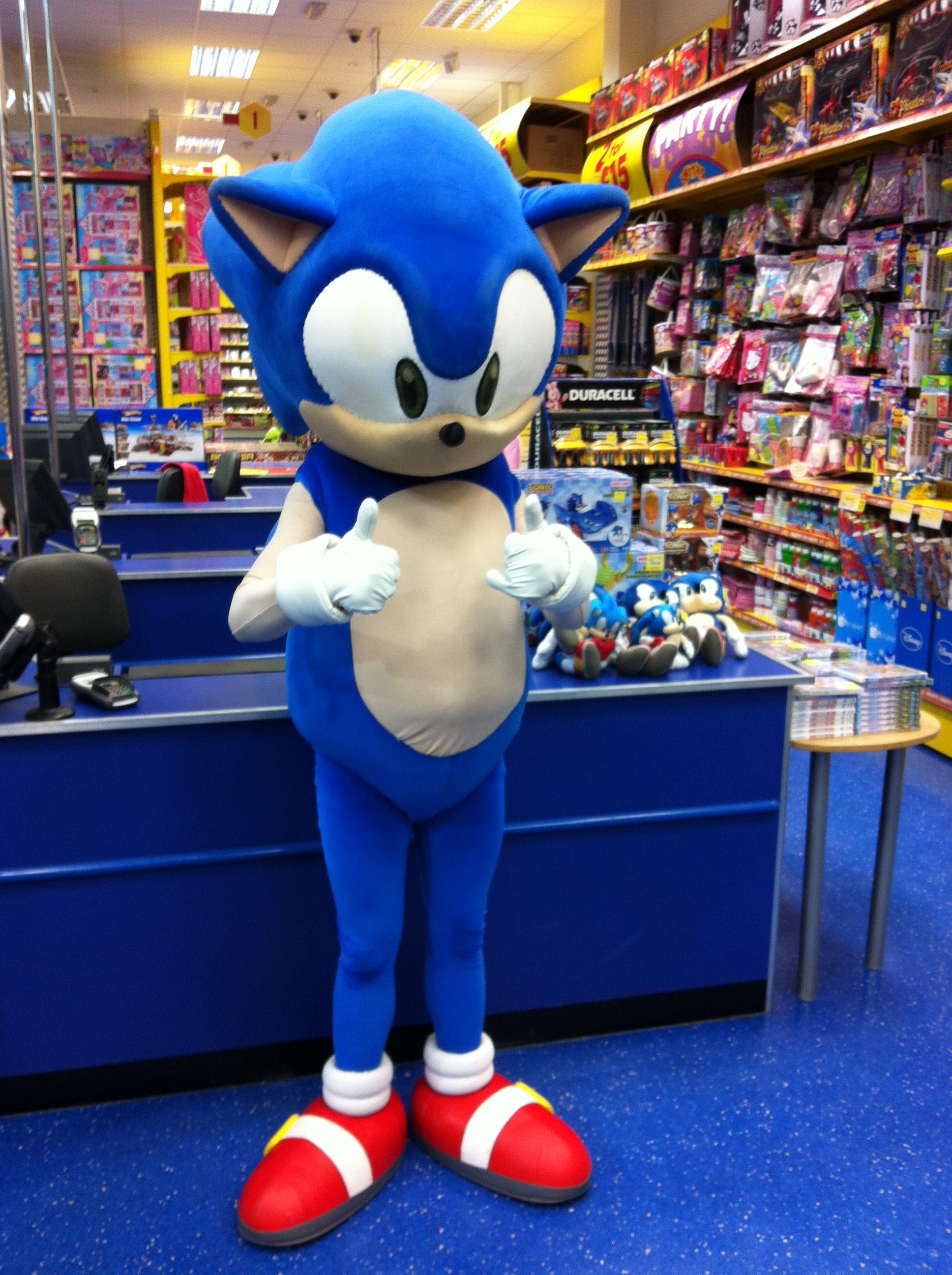Sonic The Hedgehog At Smyths Toys Superstores Fantasias Para Criancas Festa Sonic Fantasias