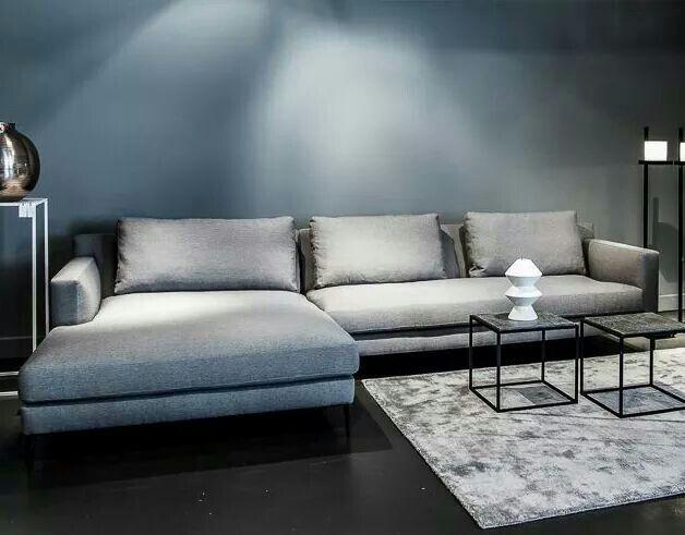 Blauw Grijze Hoekbank.Bank Tegen Grijs Blauwe Muur Home Living Room Interior Living