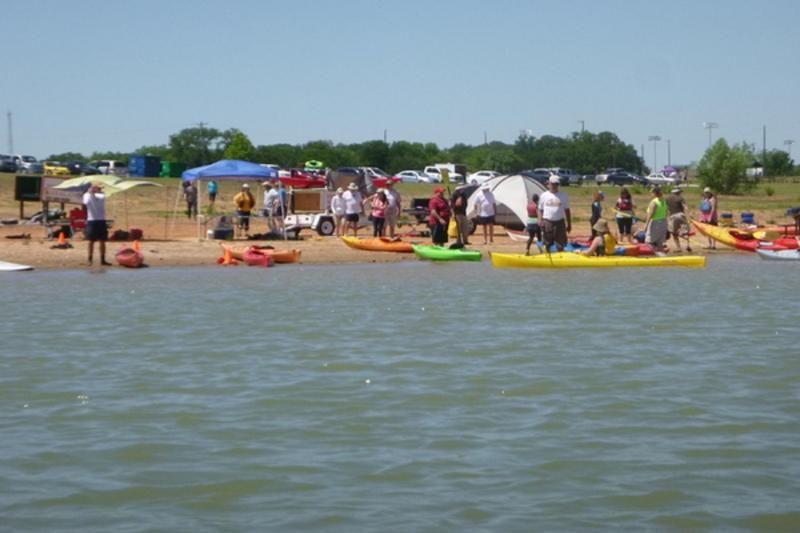 Kayak Rentals In Fort Worth Ft Worth Texas Kayak Rentals Kayaking Sand Volleyball Court