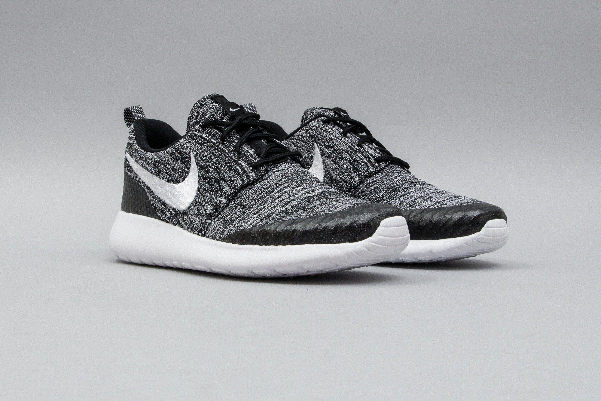 Nike W Roshe Une Flyknit Noir Gris Blanc & Cool