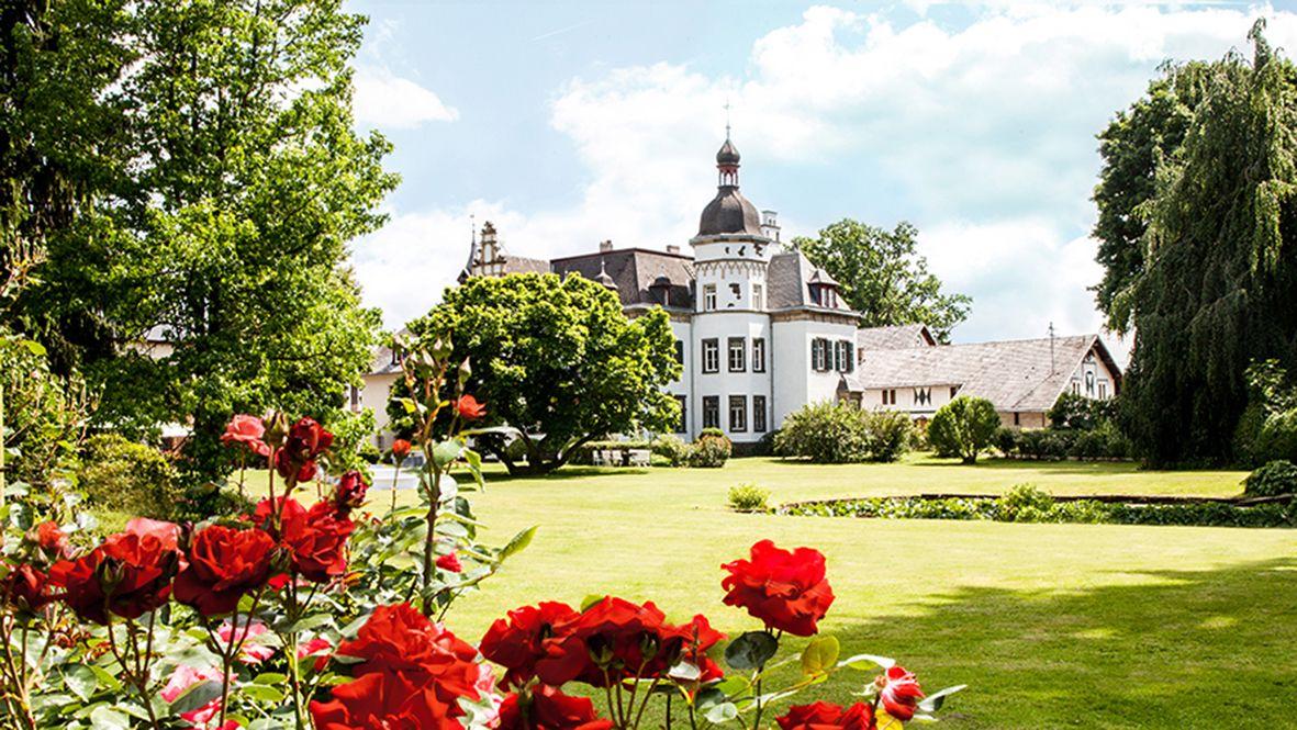 Dornroschen Park Gut Schloss Manor Castle Rheinland Eifel Koblenz Gut Nettehammer Hochzeitslocation Rheinland Hochzeit